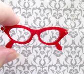Red Retro glasses necklace