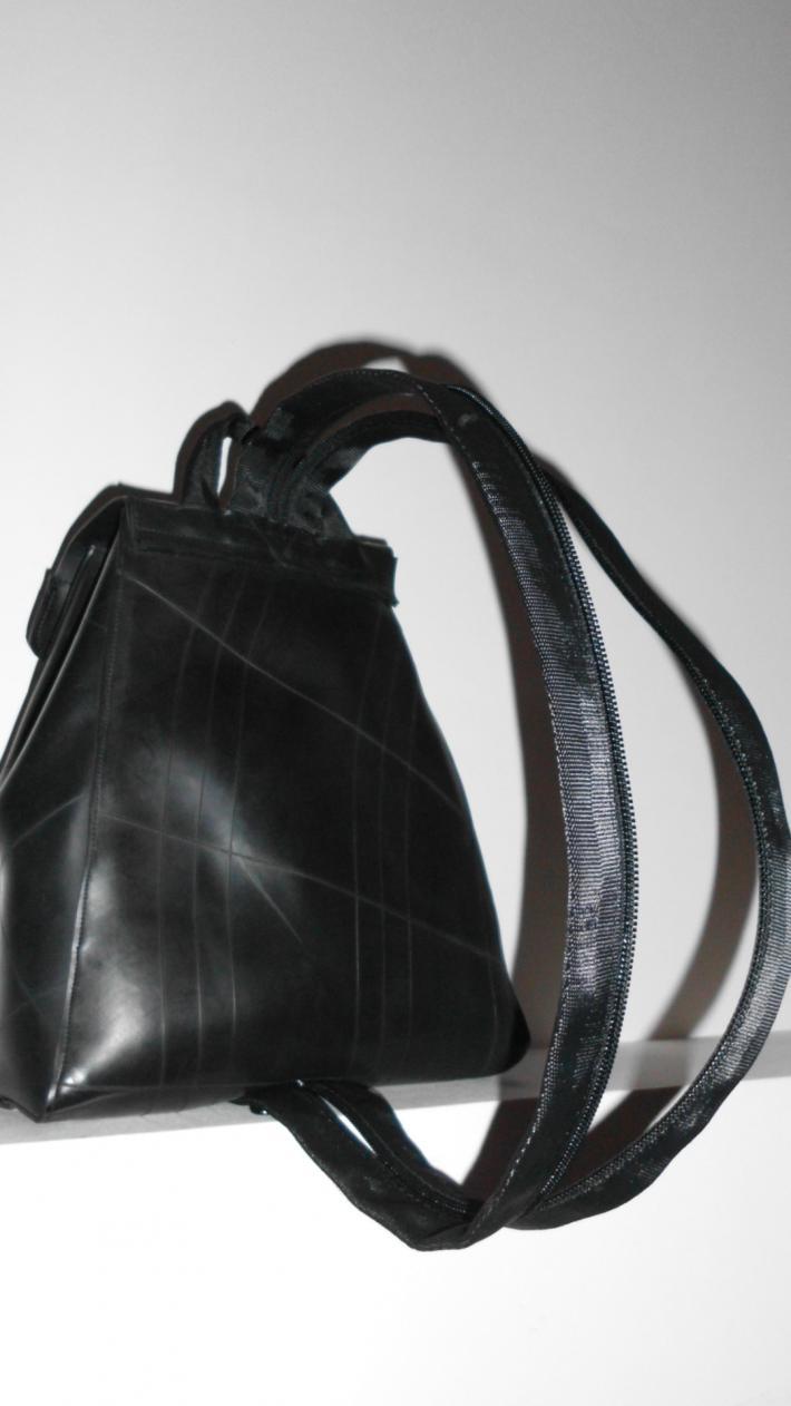 Acacia Amazing purse