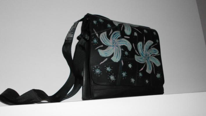 Ophrys Amazing purse