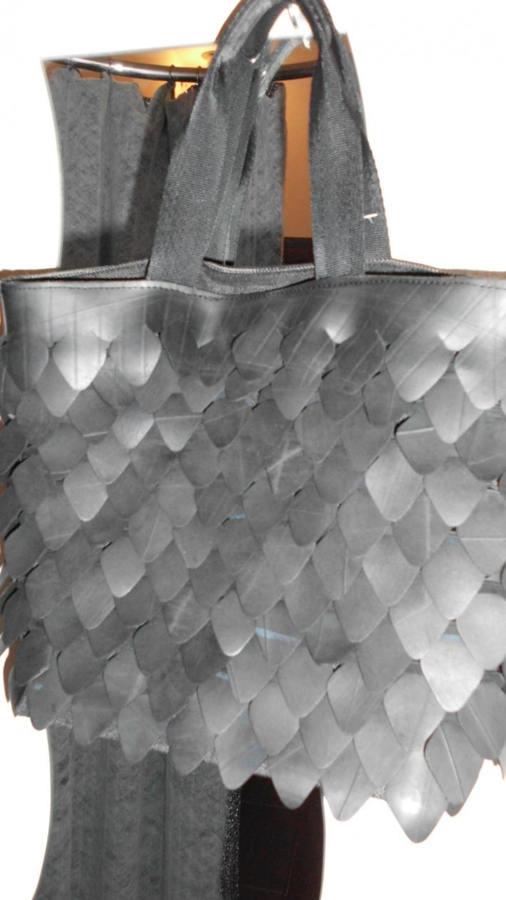 Celsia Amazing purse