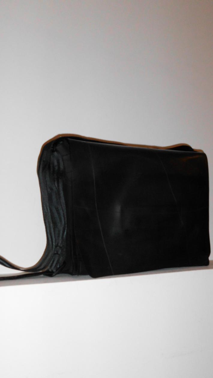 Arum Amazing purse