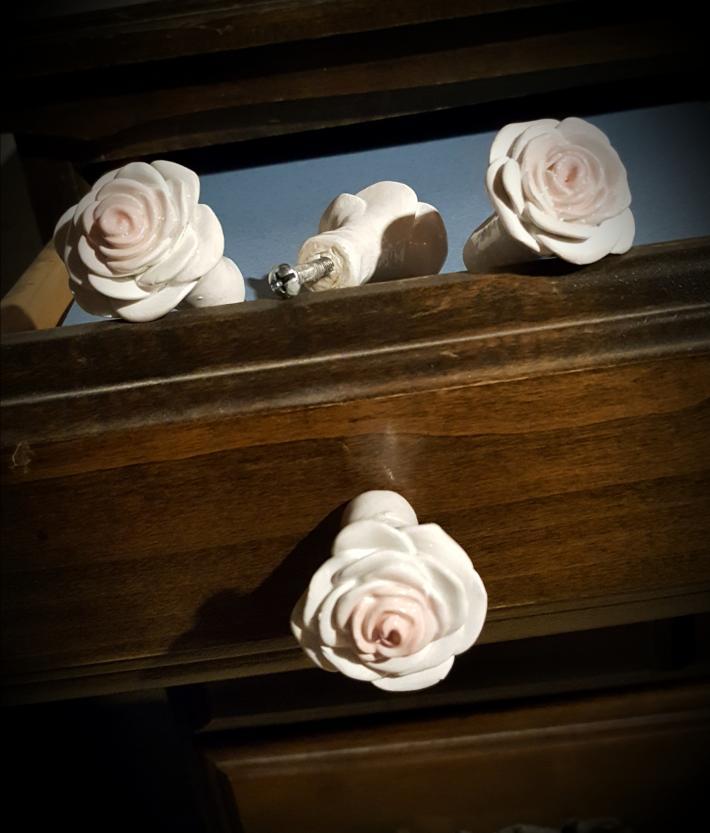 Polymer white rose drawer pulls