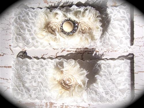 Ivory Lace Floral Pearl Garter Set 606