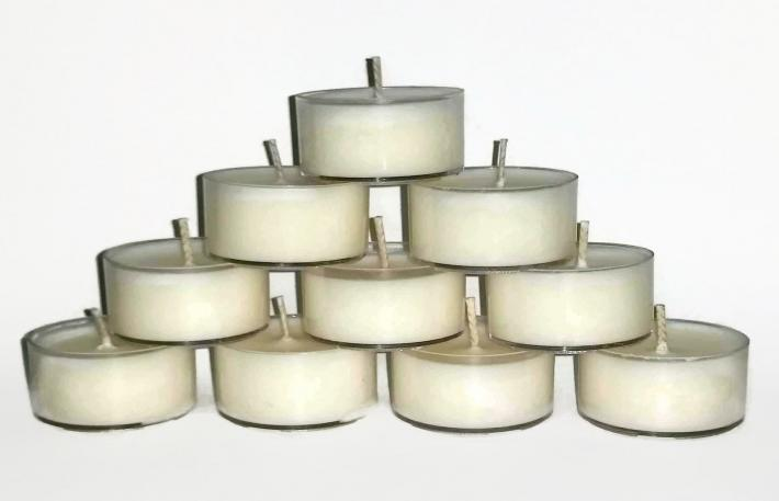 APPLES AND MAPLE BOURBON GIFT BOX OF 80 VEGAN TEA LIGHTS