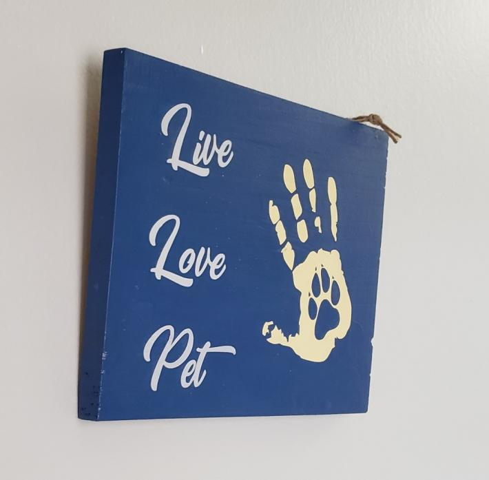 Live Love Pet Sign on Rustic Wood