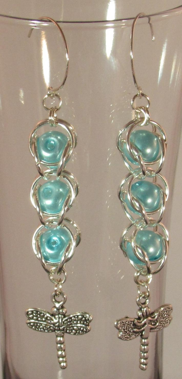 Chainmaille Bead Capture with Lt Blue Pearl