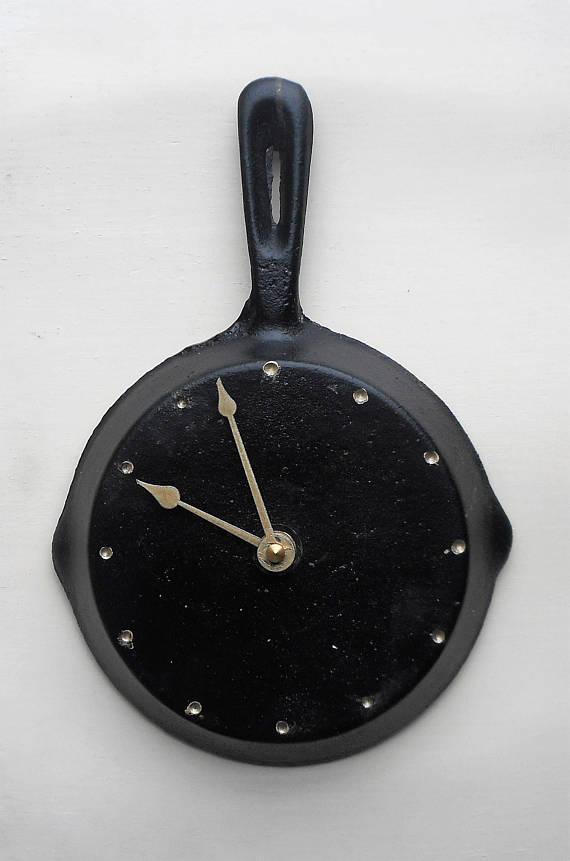 cast iron fry pan clock