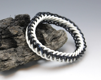 Stretchy White and Black Chainmaille Bracelet