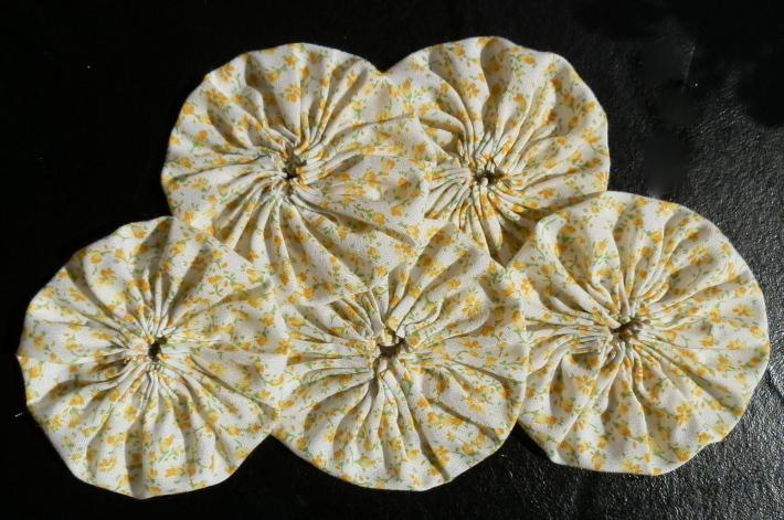 Fabric Yoyos in Sunny Yellow