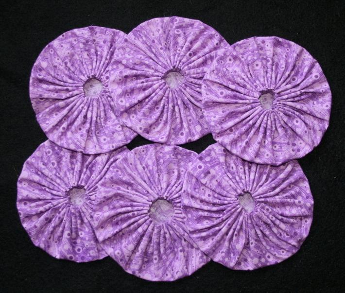 Fabric Yoyos in Violet