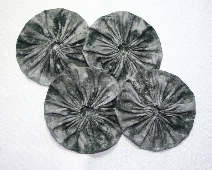 Fabric Yoyos in Smokey Gray