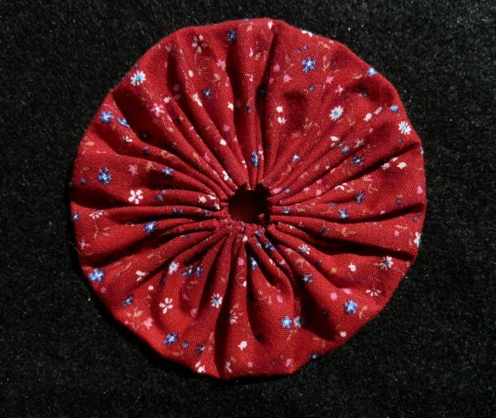 Fabric Yoyo in Red Floral Print