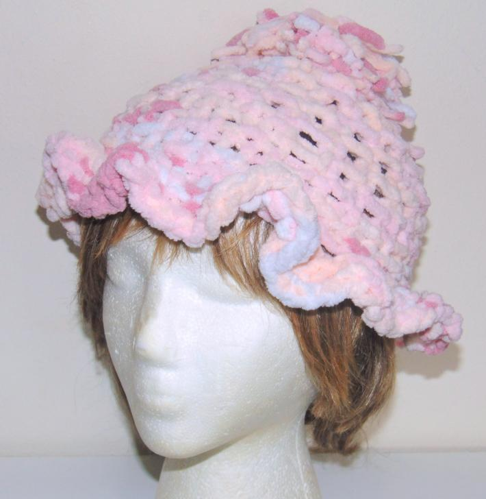 Knit This Cute Hat Using Bernat Baby Blanket Yarn