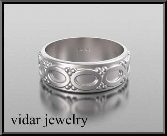 ON SALE Stunning 14kt White Gold Heart Unisex Wedding Ring