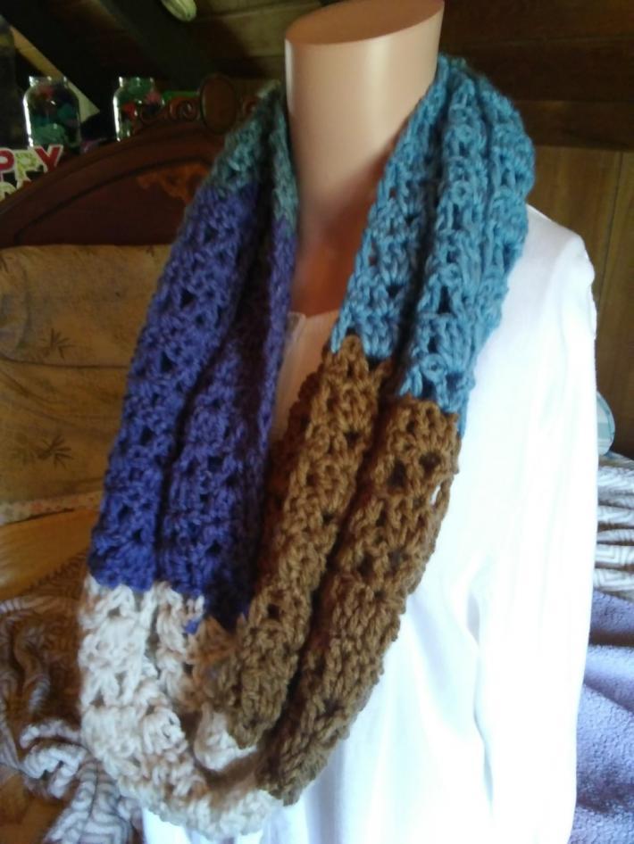 Crochet Round Scarf