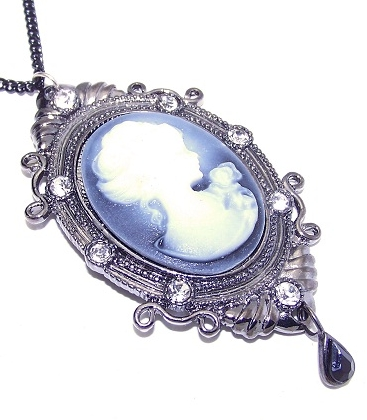 Elegant Steampunk inspired Cameo Necklace
