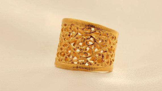 Elegant And Cassic Gold Lace Ring