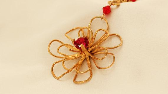 Romantic Gold Rose Necklace