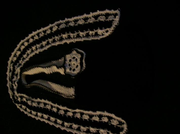 ascot scarf and purse black and white cotton thread
