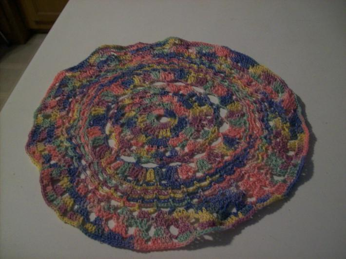nine inches doilie mixed color