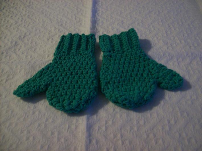 mittens green cotten