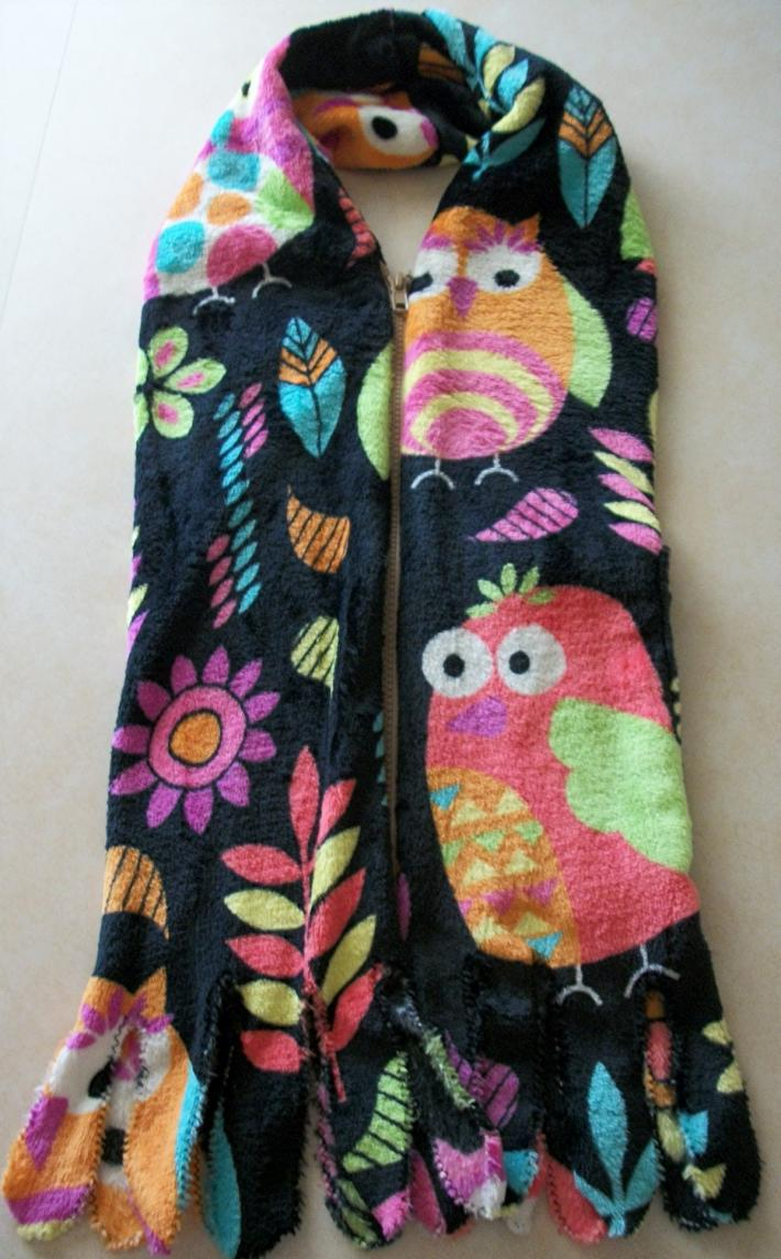 Soft Warm Birds Print on Black Fleece Scarf with Separating Zipper and Pocket