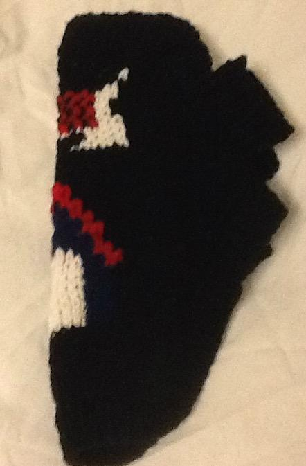 Petite dog sweater with Scottie and doghouse