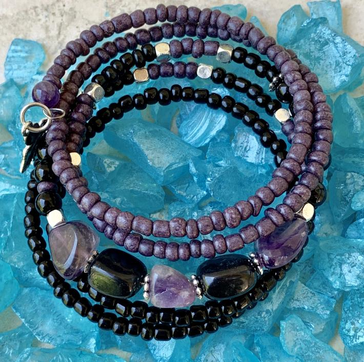 Handmade Memory Wire Bracelet Semi Precious Stones Amethyst and Onyx Glass Beads Purple and Black 20