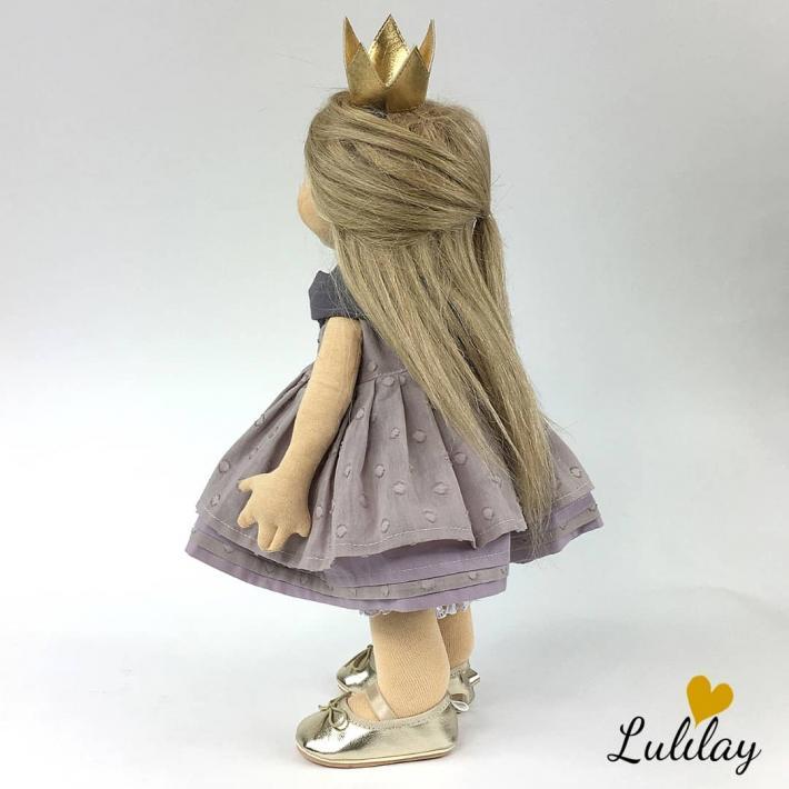 Zoe – waldorf doll hand made of wool 45 cm high