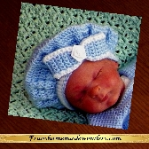 Handmade 0 to 3 Months Bonnets Muffin Style  BLUE AND WHITE with FLOWER ON BOW