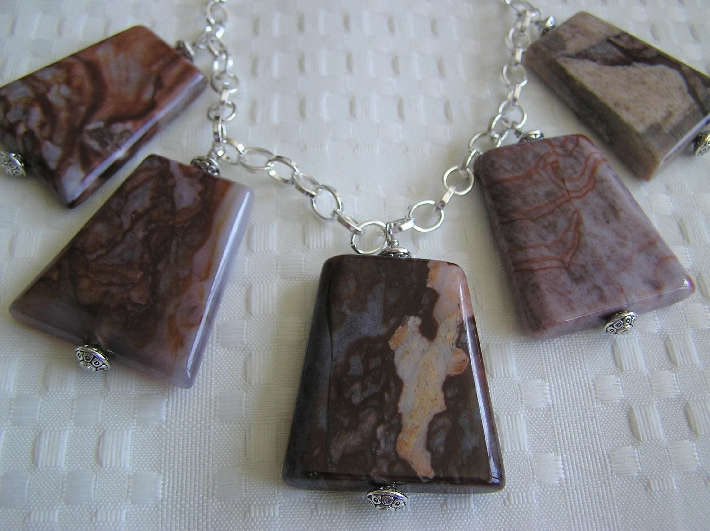 Manchu Agate Necklace
