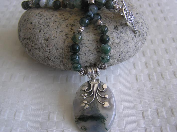 Watching Moss Grow        Moss Agate Necklace