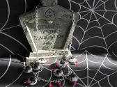 Along Came A Spider               Halloween Necklace with Matching Earrings
