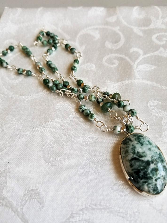 Love the Trees                        Tree Agate Necklace