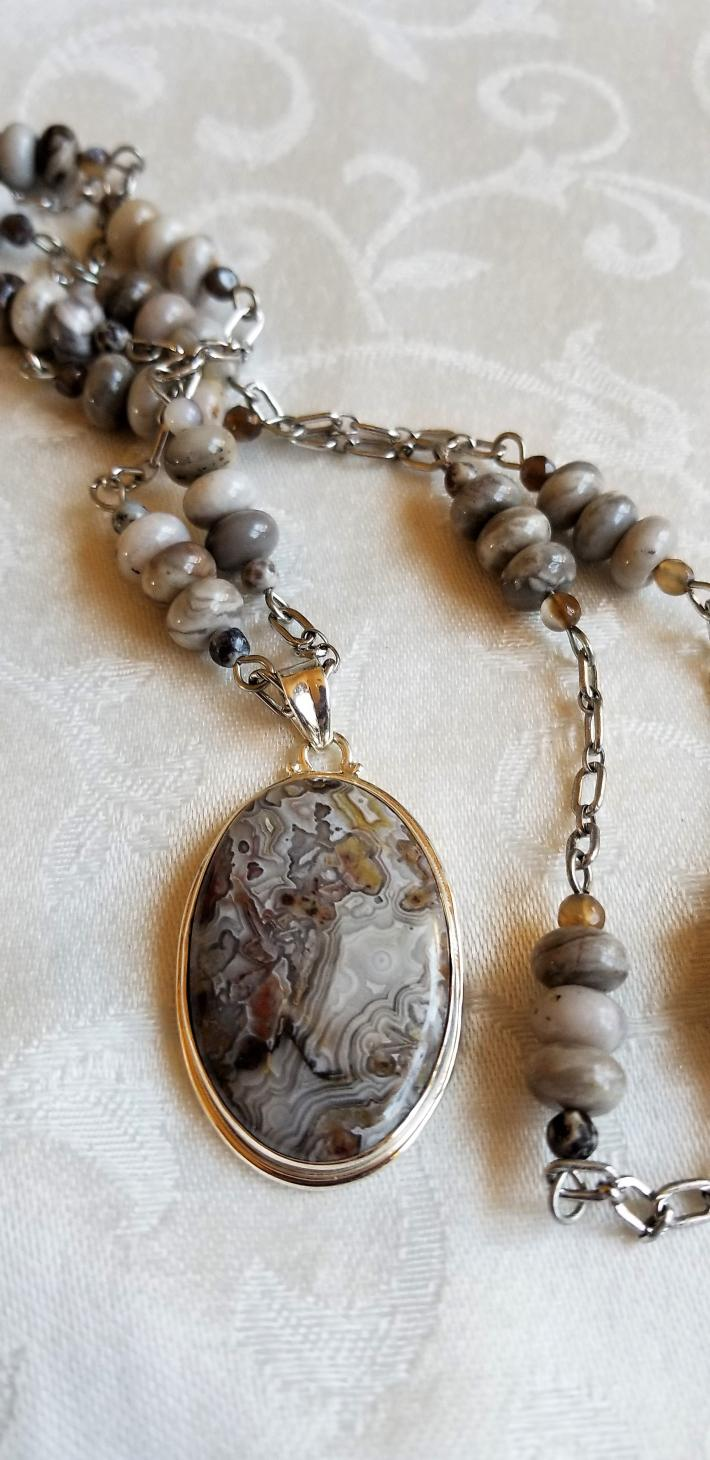 In a Crazy Mood                          Crazy Lace Agate  Necklace