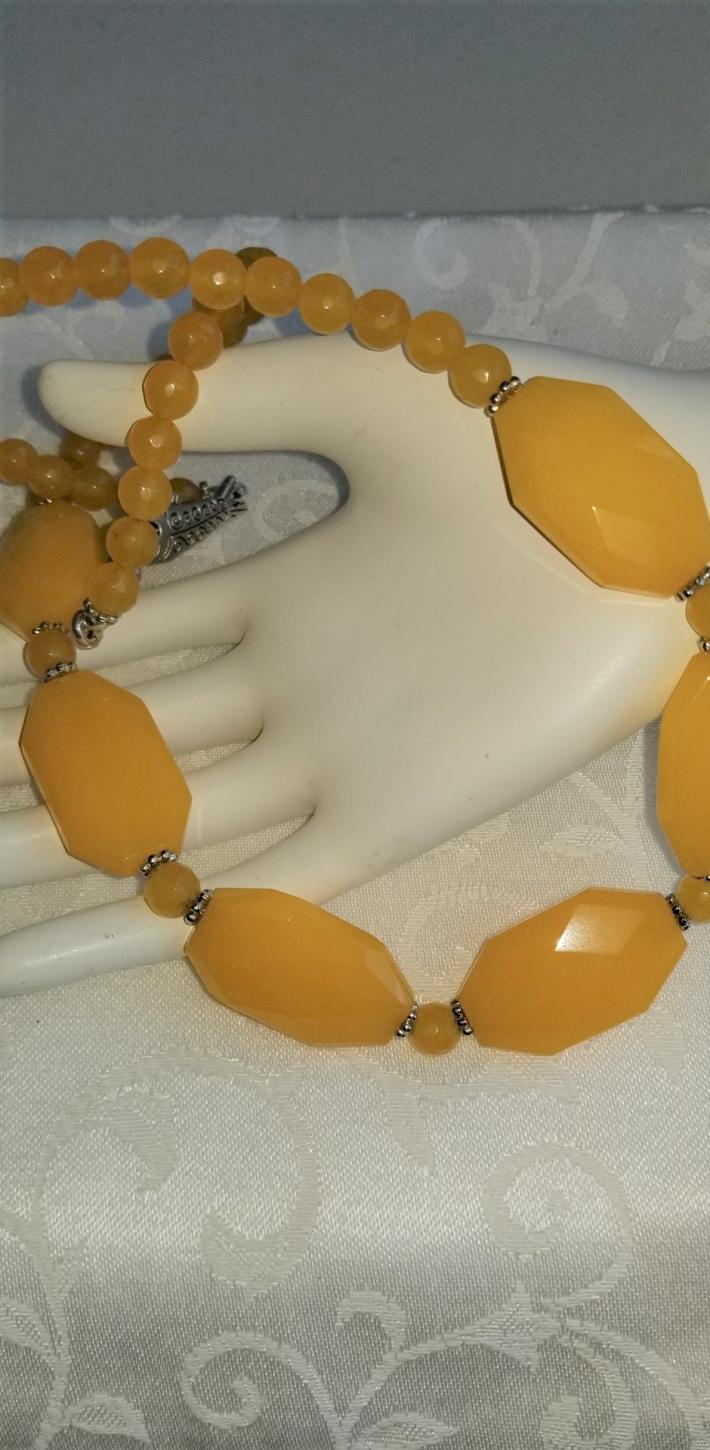 Daffodil                                          Yellow S American Topaz and Jade Necklace