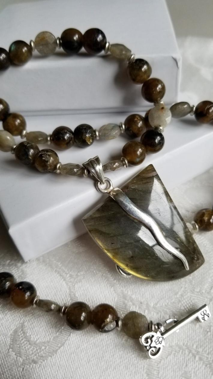 Green Valley                                             Green Labradorite Necklace