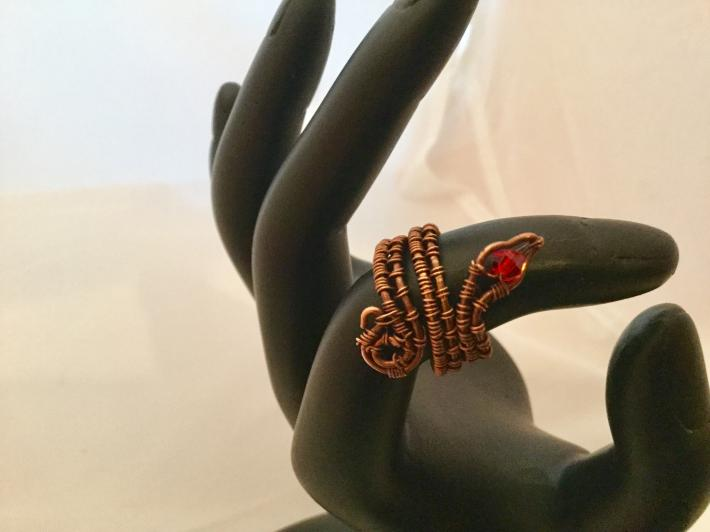 Adjustible snake ring