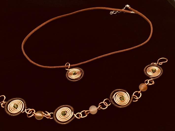 Spiral swirl pendant