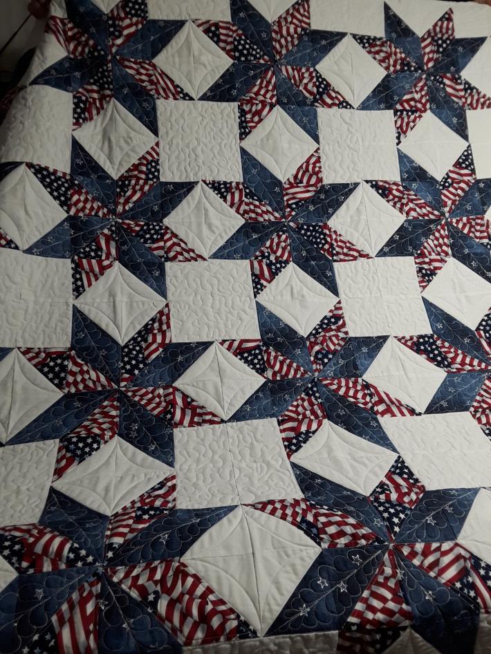 Patriotic queen size quilt