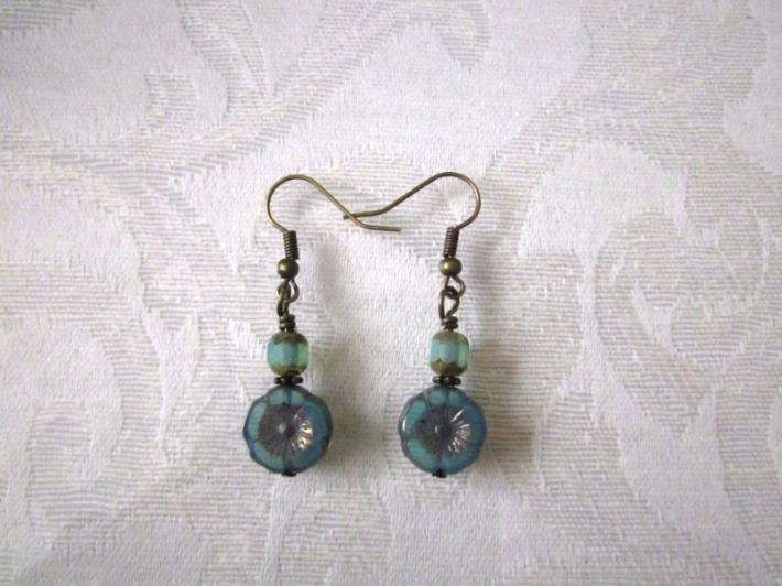 Periwinkle Czech Hawaiian Hibiscus Glass Flower Bronze Tone Earrings