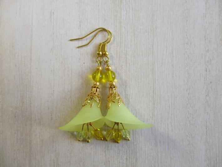 Yellow Green Calla Lily Flower and Czech Glass Gold Tone Earrings