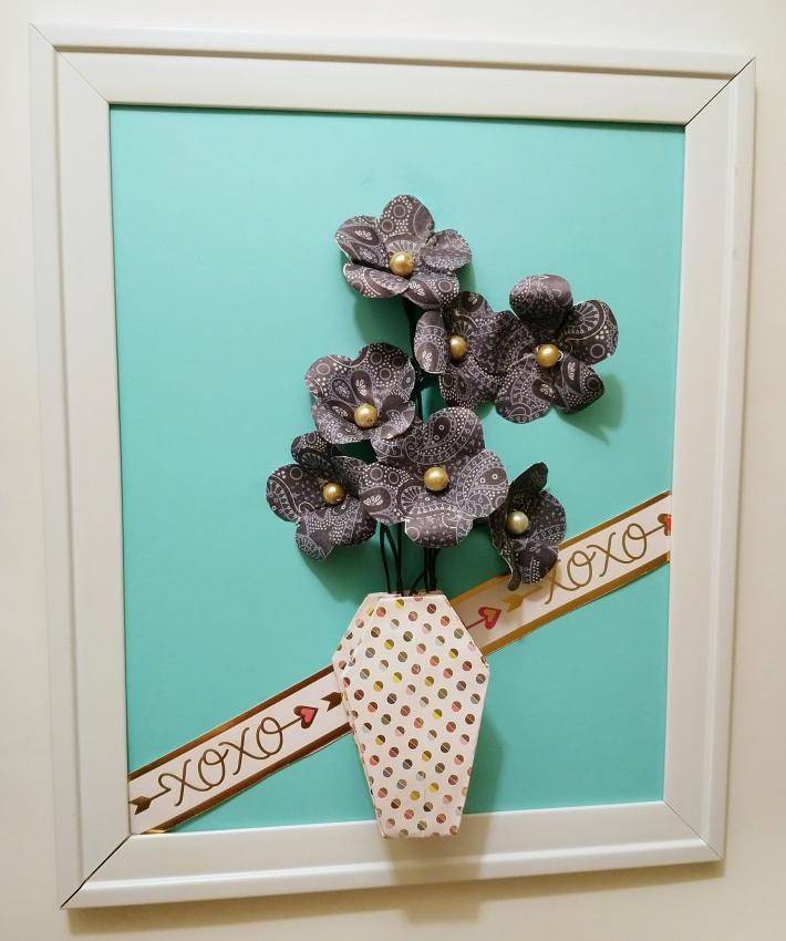 Floral design wall decor