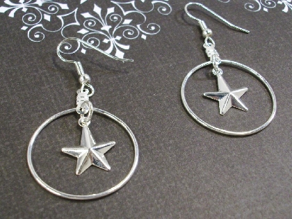 Silver Hoop with Stars Holiday Earrings by TamsJewelry
