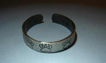 Sterling silver toe ring with paw prints