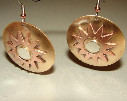 Earrings with desert sun in bronze copper and sterling silver
