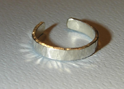 Sterling silver toe ring with classic hammered texture
