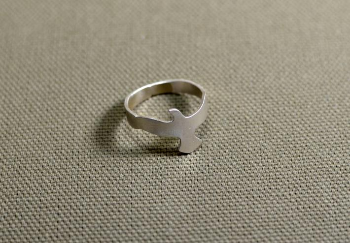 Sterling silver soaring seagull ring