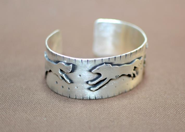 Wild wolf sterling silver bracelet
