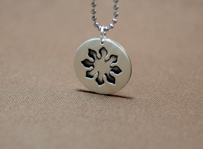 Eight point marine compass flower pendant